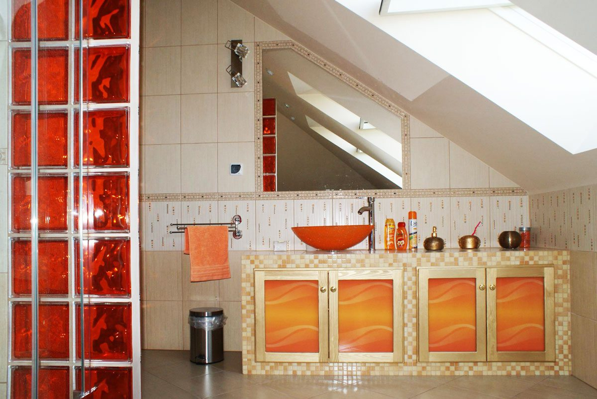 Orange Stripes bathroom furniture fronts