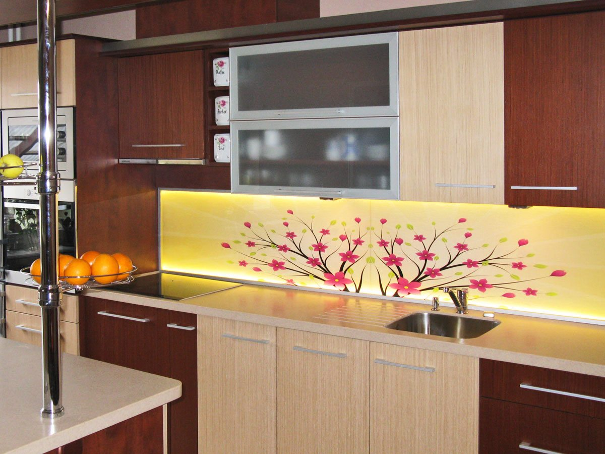 Flowery kitchen LED splashback